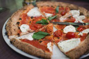 Pizza e matematica: il Theorema Egregium di Gauss
