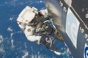 """Perché """"sprecare"""" soldi per le missioni spaziali?"""
